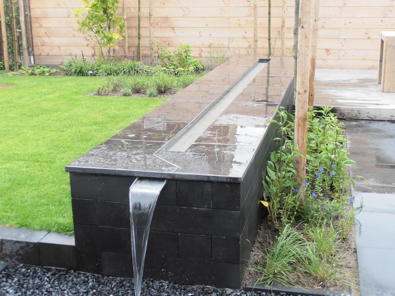 Klustotaal rhemenshuizenstraat te zwolle tuin ornament for Waterornament tuin
